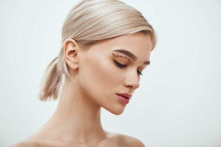 Ein schmaleres Gesicht wirkt feminin.